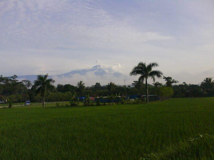 gunung slamet dari jauh